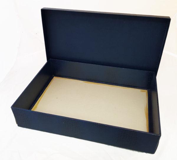 Коробка картонная, крышка-дно, каширована синим бумвинилом3