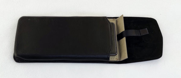 Формованный экранирующий футляр из кожи на телефон Iphone 12 Pro Max